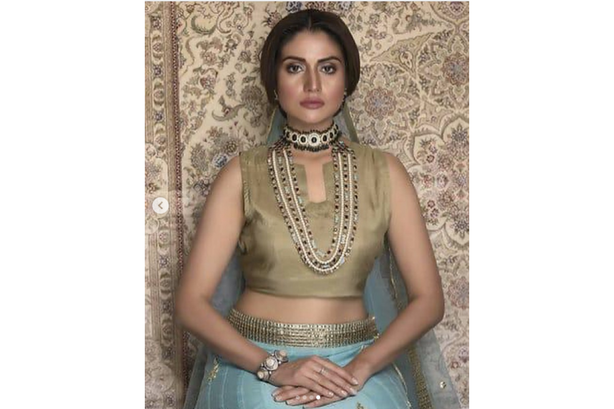 AnamTanveer look stunning in this gorgeous jewelry