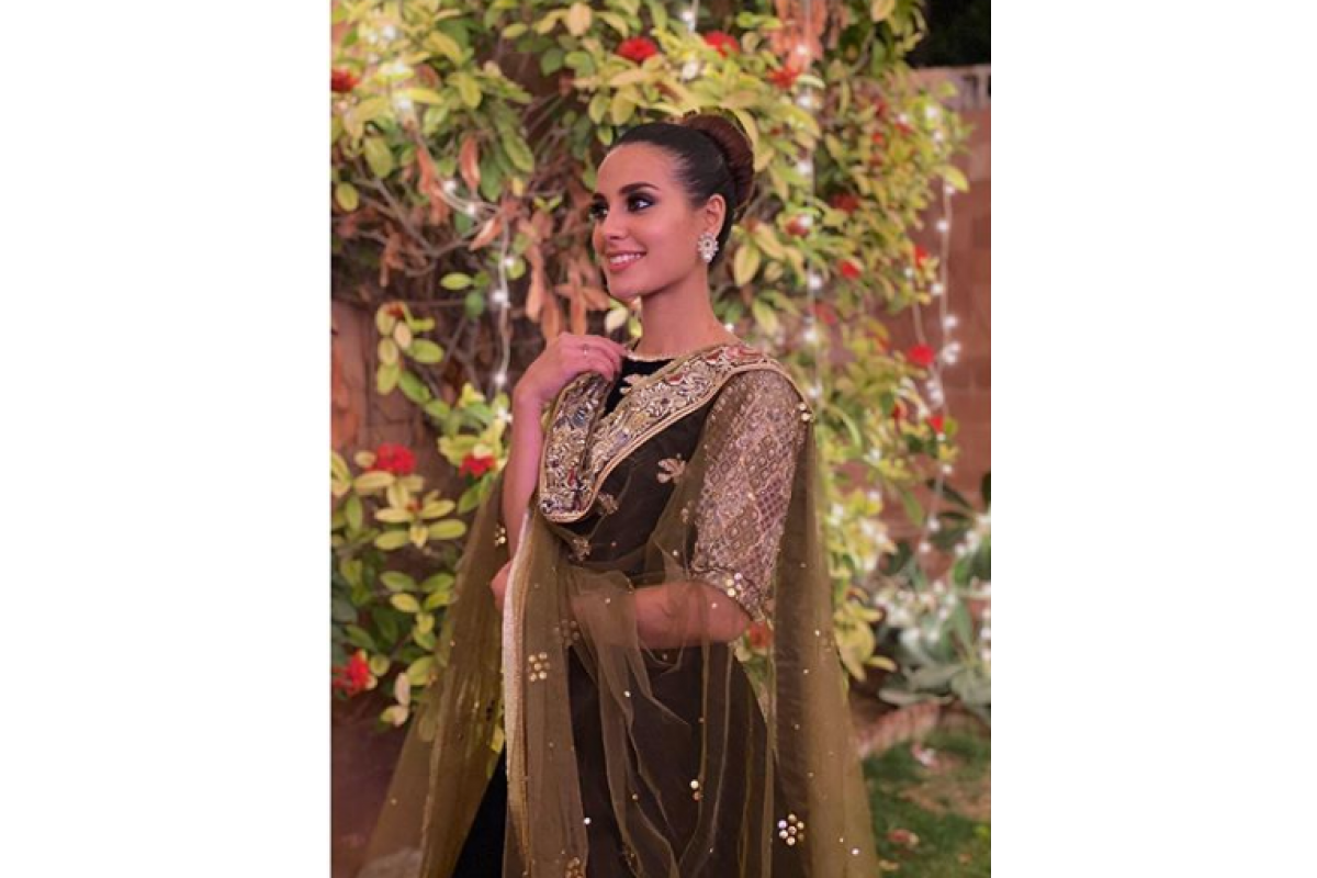 Iqra Aziz looks out of this world | Maheen Jewels